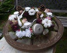 Gartendeko selber machen ideen fahrradreifen blumen deko for Wagenrad dekorieren