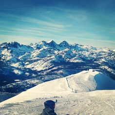 Five months and counting... #mammothmountain #snowseason #bluebird #twowordhashtags #snowboarding