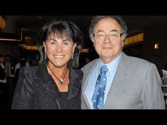 Toronto police announce the homicide unit is taking over the investigation into the mysterious death of Canadian billionaire Barry Sherman and his wife Honey. Homicide Detective, Old Wife, Clinton Foundation, Private Investigator, Great Leaders, Haiti, Bbc News, Billionaire, That Way