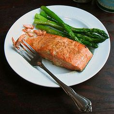 Easy 4 ingredient salmon recipe. Healthy, and so flavorful. If you've never cooked fish before, this is the recipe for you!