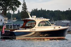 Hinckley - T37 MKIII Picnic Boat Gallery