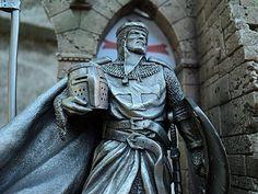 Templar Statue                                                                                                                                                                                 Mais