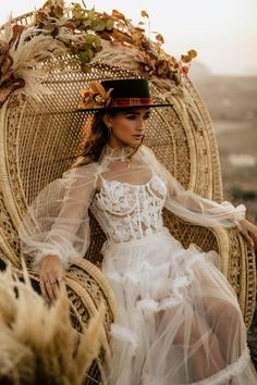 Fashion-Forward Destination Elopement with all the Pampas Grass under an Old Windmill Bohemian Wedding Dresses, Boho Bride, Boho Wedding, Wedding Gowns, Wedding Events, Wedding Ideas, Elvis Wedding, Joshua Tree Wedding, Exotic Wedding