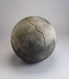Bronze Moon (sphere) - Toshiko Takaezu