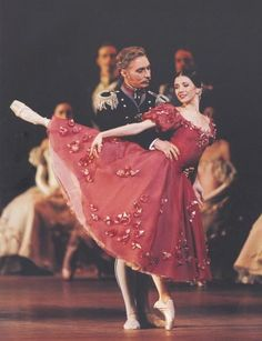 I love all the roses on this ballet costume.