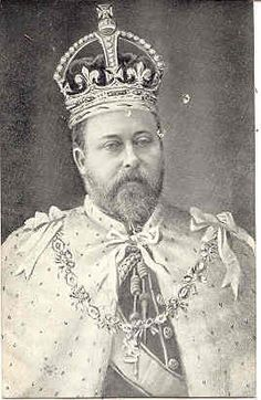 Excellent vintage Post Card showing King Edward VII in coronation robes and wearing the crown.