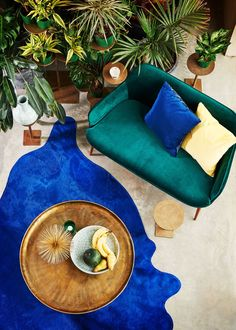 Furniture - Sofas - Charmy Straight sofa - L 128 cm by Pols Potten - Green velvet - Foam, Lacquered steel, Velvet Home Interior Design, Interior And Exterior, Green Velvet Sofa, Blue Velvet, Small Sofa, House Colors, Floor Chair, Bunt, Living Room Decor