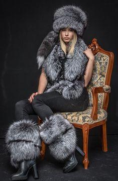 Details about Saga Furs Natural Silver Fox Fur Royal Winter Chic Handmade Set Winter Chic, Winter Mode, Winter Wear, Jungkook Fashion, Fur Fashion, Winter Fashion, Sporty Fashion, Fashion Outfits, Moda Emo