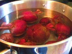 Cooking and Freezing Beets Freezing Beets, Freezing Vegetables, Frozen Vegetables, Veggies, How To Store Beets, How To Boil Beets, How To Freeze Beets, Kombucha, Storing Fruit