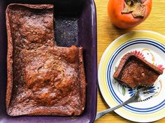 One thing no recipe tells you about persimmon pudding, an old-fashioned American recipe with a lot of history, is how hauntingly delicious it is. John Smith, Recipe For Persimmon Pudding, Toffee, Real Food Recipes, Yummy Food, Yummy Recipes, Far Breton, American Food, Pudding Recipes
