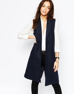 Buy New Look Sleeveless Coat at ASOS. Get the latest trends with ASOS now. Sleeveless Blazer Outfit, Black Vest Outfit, Sleeveless Jacket, Blazer Outfits, Casual Outfits, Western Outfits, Ärmelloser Mantel, Latest Fashion Clothes, Outfit