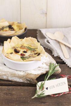 Ziegenkäse-Tarte mit Cranberrys, Walnüssen, Rosmarin und Honig <3