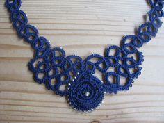 Collier bleu marine #frivolité #tatting #mode #bijoux
