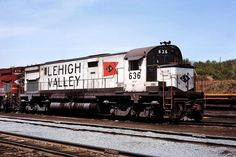 Lehigh Valley, Rolling Stock, Diesel Locomotive, Train Tracks, Model Trains, Delaware, Modeling, The Past, Electric