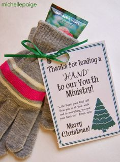 "Thank you gift tag printable ""Thanks for lending a hand"" with gloves and lotion michelle paige: Youth Ministry and Children's Ministry Gift for Christmas Volunteer Appreciation Gifts, Volunteer Gifts, Employee Appreciation, Gifts For Volunteers, Volunteer Week, Pastor Appreciation Ideas, Volunteer Ideas, Homemade Gifts, Diy Gifts"