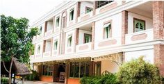 Entrance , Mango Hill Hotel, Pondicherry