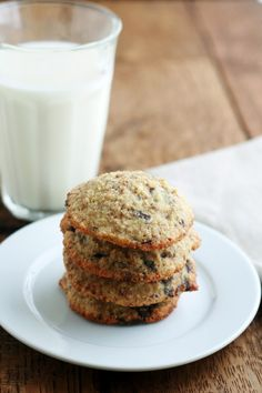 Mmm, grain free chocolate chips cookies - I imagine they're kind of like oatmeal chocolate chip and I think I'll be okay with that. :)