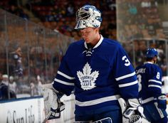 TORONTO, ON - NOVEMBER Toronto Maple Leafs' Frederik Andersen takes part in warm up before facing the Washington Capitals at the Air Canada Centre on November 2016 in Toronto, Ontario, Canada. (Photo by Mark Blinch/NHLI via Getty Images) Air Canada Centre, Goalie Mask, Nhl Games, Washington Capitals, Toronto Maple Leafs, World Of Sports, Hockey Players, Athletes, Ontario