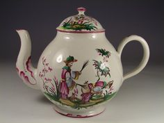 eapot covered Lunéville faience, polychrome Chinese playing in nature eighteenth century.