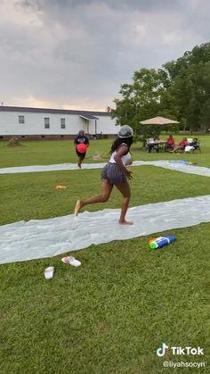 Family Outdoor Activities, Outdoor Summer Games, Outdoor Games For Adults, Party Games For Adults, Outdoor Games For Teenagers, Funny Games For Groups, Summer Activities For Teens, Camping Games For Adults, Outdoor Water Games