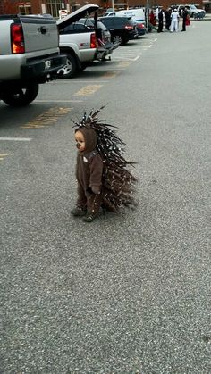 This kid as a porcupine. More #funnyhalloweencostumes