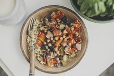 Halloumi z pieczonymi warzywami – przepis |