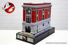 """LEGO toy artist Alex """"Orion Pax"""" Jones recreated the iconic Ghostbusters fire station headquarters (including the vehicles Ecto 1 and using LEGO bricks Metal Walls, Metal Wall Art, Legos, Ghostbusters Firehouse, Die Geisterjäger, Roman Clock, Nerd Crafts, Lego Modular, Cool Ideas"""