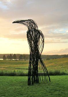 The Sentinel, 15 ft tall, saplings & paint, 2012 at Gilsland Farm, Maine. Donna Dodson and Andy Moerlein crow sculpture Land Art, Art Environnemental, Art Et Nature, Art Et Architecture, Street Art, Art Sculpture, Abstract Sculpture, Bronze Sculpture, Wow Art