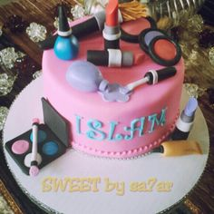 Make up cake I made for a 9 year old girl all edible