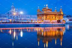 Sikh sacred site gurdwara Sri Harmandir Sahib (also known as The Golden Temple, also Darbar Sahib) illuminated at night. Golden Temple Wallpaper, Dark Wallpaper, Harmandir Sahib, Golden Temple Amritsar, Temple India, Photo Mural, Grand Hotel, Wall Murals, Wall Art