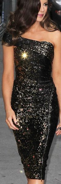 "Kate Beckinsale, star of the new movie ""Underworld: Awakening....Donna Karan--stunning!"
