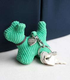Chams for your bag Max le chien vert - Monica Richards - 6,95 €