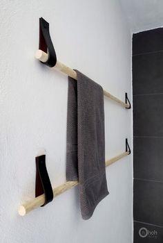 Diy Home  :   Illustration   Description   DIY | Des portes-serviettes design avec une vieille ceinture | www.decocrush.fr – decocrush    -Read More –   - #DIYHome