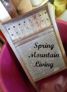 Washing laundry by hand can be hard work, but you can make it easier with a few simple tips and tools, like a washboard and laundry wringer. Survival Prepping, Emergency Preparedness, Survival Mode, Laundry Hacks, Handwashing Clothes, Cleaning Hacks, Frugal, Homesteading, Just In Case