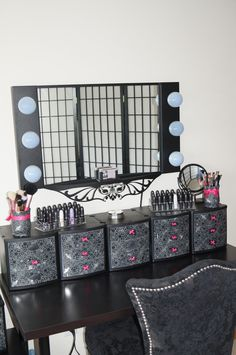 decorate plastic drawer to make your own make up table