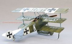 Roden's 1/32 scale Fokker Dr.1 by Leo Stevenson
