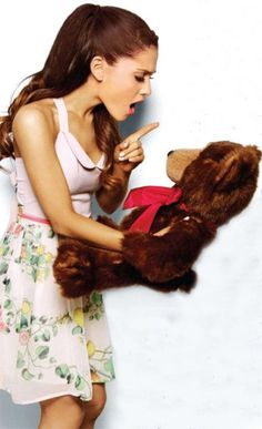 LOVE this picture! It's super cute (as always)! :) love you Ari! :) x