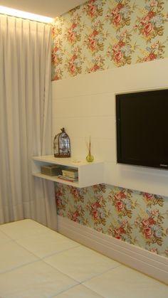 Meninas do Pano: Tecido floral na parede