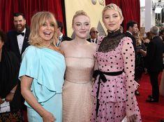 Goldie Hawn, Dakota Fanning & Kate Hudson: 2018 SAG Awards: Candid Moments