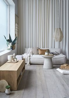 grey flooring Ash Grey is a worn looking European Oak Timber Flooring Engineered Timber Flooring, Grey Flooring, Grey Floorboards, Gray Interior, Interior Design, Brick Interior, Royal Oak Floors, Luxury Vinyl Plank, Flooring Options