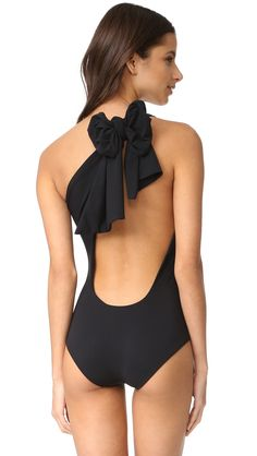 ¡Cómpralo ya!. Araks Melika One Piece - Solid Black. A single shoulder Araks swimsuit, styled with long ties and a deep scoop back. Double layered. 72% polyamide/29% elastane. Hand wash. Made in the USA. Size & Fit. Available sizes: L , bañador, bañadores, swimsuit, monokini, maillot, onepiece, one-piece, bathingsuit, badeanzug, badeanzug, trajedebaño, maillotdebain, costumedabagno, bañador. Bañador  de mujer   de ARAKS.