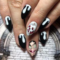Evil Queen Nail Art Disney Acrylic Nails, Halloween Acrylic Nails, Disney Nails, Halloween Nail Designs, Best Acrylic Nails, Disney Halloween Nails, Cartoon Nail Designs, Nail Art Designs, Disney Nail Designs