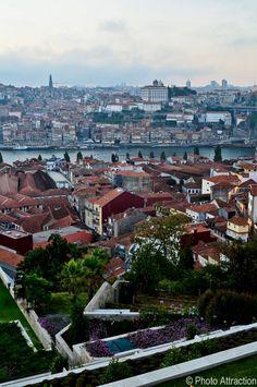 Vila nova de Gaia across the river to Porto ░ Best view of the city, Porto | From The Yeatman Hotel | #Porto #Portugal