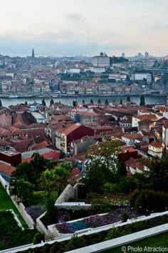from Vila nova de Gaia across the river to Porto ░ Best view of the city, Oporto