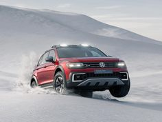 Looking to expand their lineup of crossovers in America, and maybe trying to drum up some goodwill after Dieselgate, Volkswagen brings the plug-in hybrid Tiguan GTE Active Concept to Detroit.