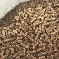 Biomasa procede de olivar: pellets de madera de olivo. Biomass energy by olive Wood pellets. Renewable Energy, Eco Friendly, Green, Instagram, Food, Wood Pellets, Essen, Meals, Yemek