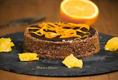 Torta jaffa crudista con banane cocco arancia e cacao. Se volete che il vostro palato vi trasmetta un brivido di piacere provatela.