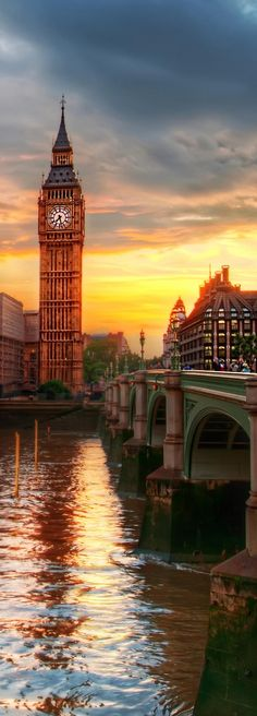 Taking a trip to Europe and aren& sure where to go or what to see? Explore the best of what Europe has to offer with this itinerary or use these trip ideas as a guideline to build your own vacation! Big Ben London, Beautiful London, Beautiful Places, Big Ben Tattoo, Places To Travel, Places To See, London Travel, Travel Europe, London England