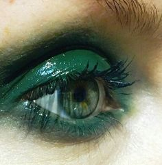 glossy green eye make up Makeup Inspo, Makeup Art, Makeup Inspiration, Beauty Makeup, Eye Makeup, Hair Beauty, Runway Makeup, Prom Makeup, Makeup Ideas