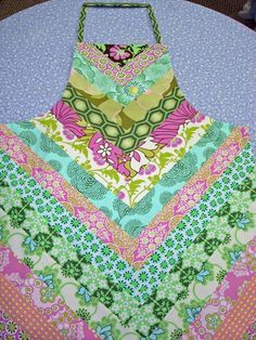 Amy Butler Strippy Apron~I must find this pattern!!!!!